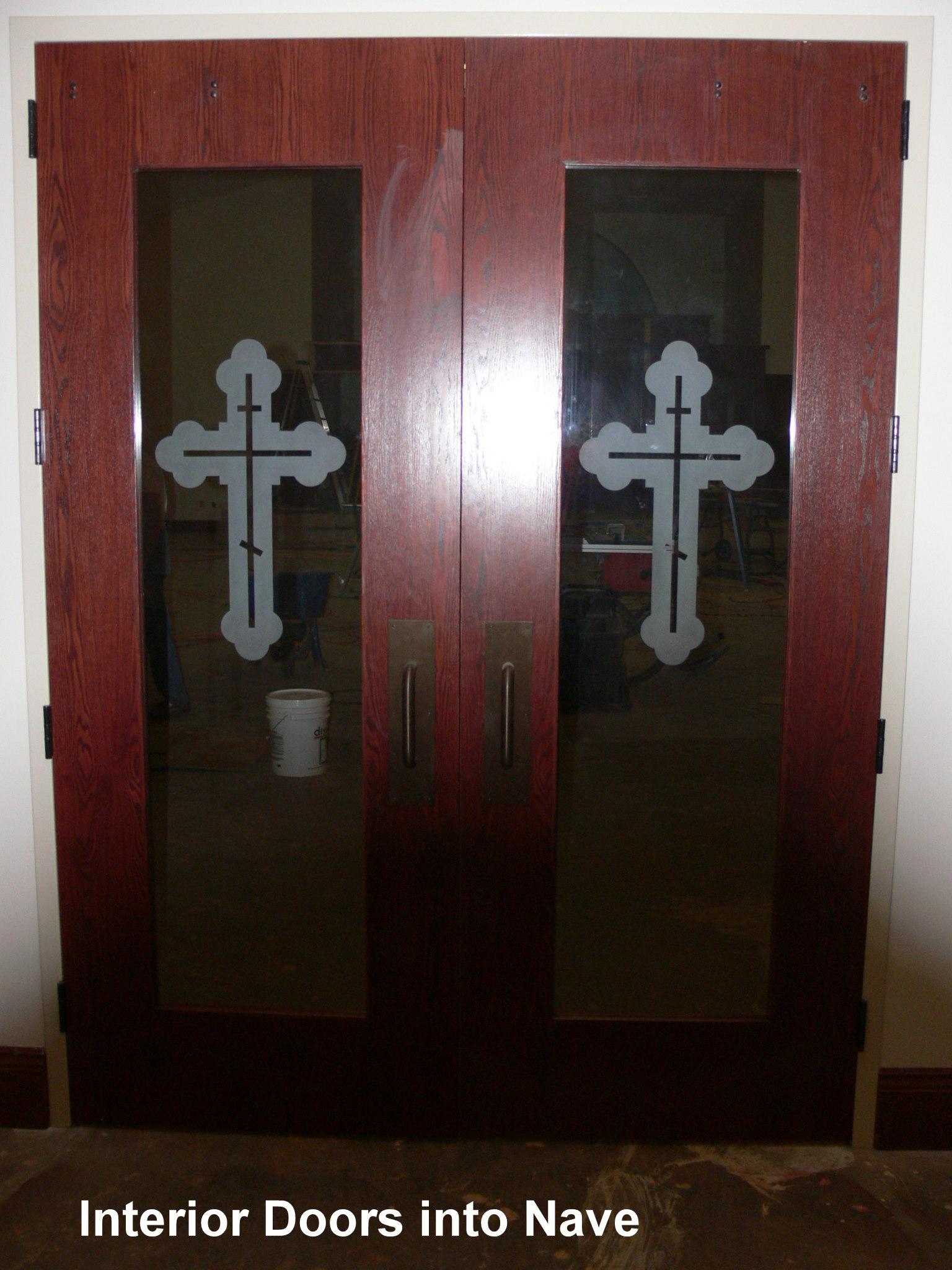 1-nave-doors