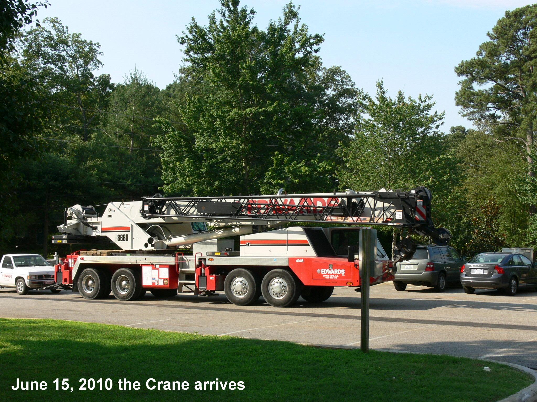 1-crane-arrives